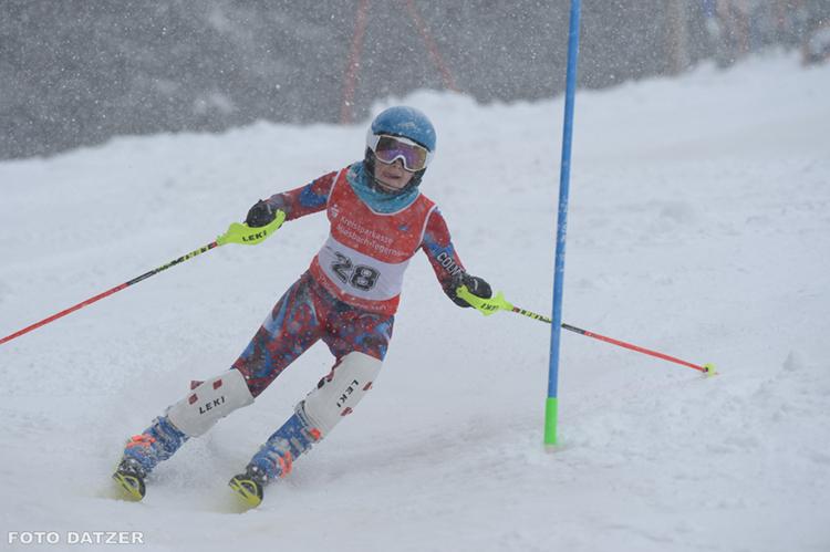 SCRE Sparkassen Cup Schneefall Sonnenbichl Piste Slalom